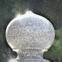 宝珠 神秘的な輝きを放つ